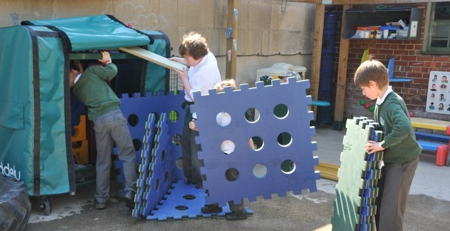 Den Making Play Set in Ceredigion